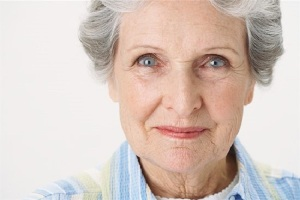 abuela sonrienta