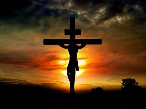 JES_S_CRUZ_DE_CRISTO_CON_FONDO_ROJO_Y_AMARILLO_Jesus_Cross890C
